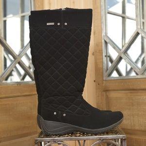 Khombu Audrey Quilted Black Snowboots
